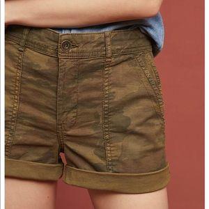 Anthropologie The Wanderer HEI Shorts, Camo Sz 25